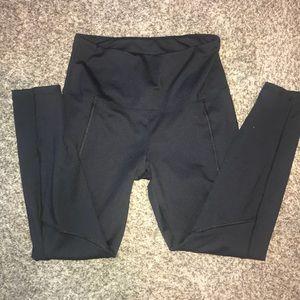Black leggings medium